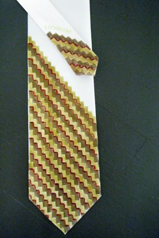 Nov tie
